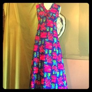made in hawaii Dresses - Vintage floral hostess gown
